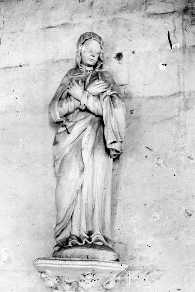 statue : Vierge de Calvaire, vue générale