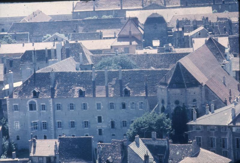 Vue aérienne prise depuis l'église Notre-Dame