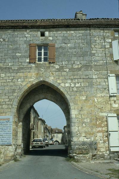 Porte de Ville au sud de la rue Saint-Jacques