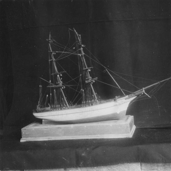 Ex-voto : maquette de voilier