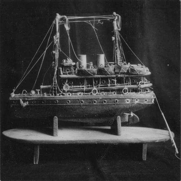 Ex-voto : maquette de bateau à deux ponts