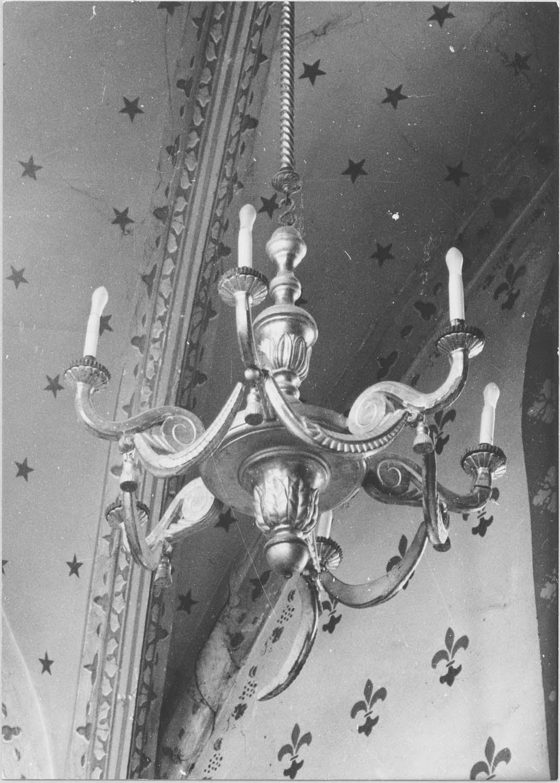 lustre d'église, vue générale