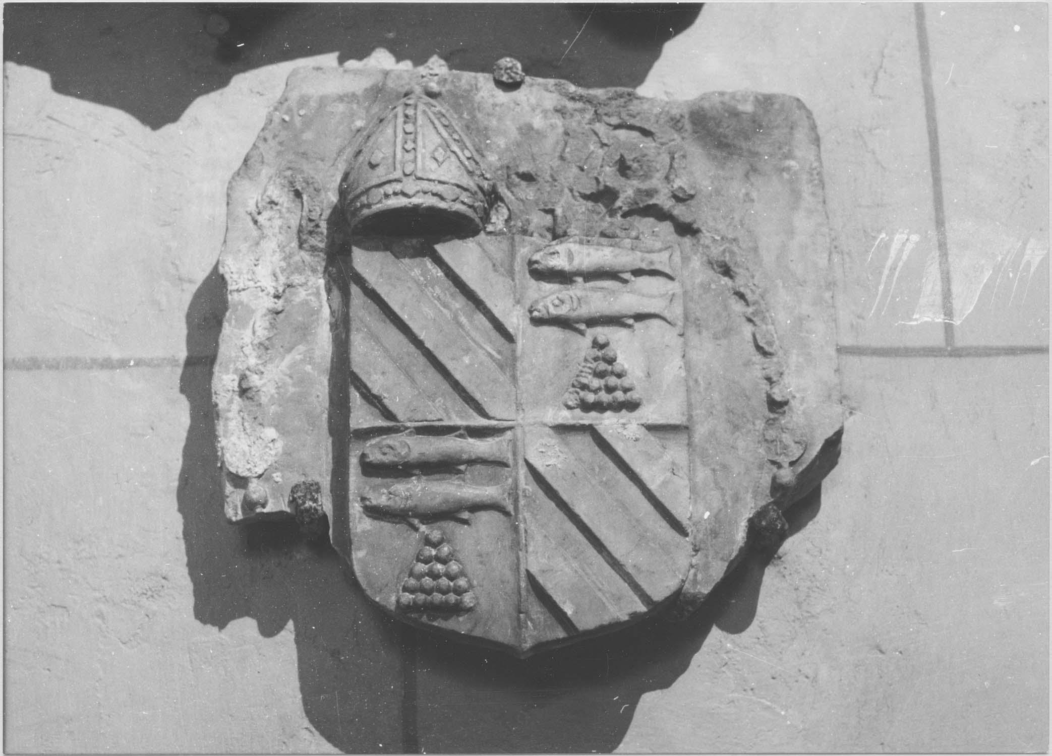 armoiries de l'évêque Pierre de Polverel, vue générale