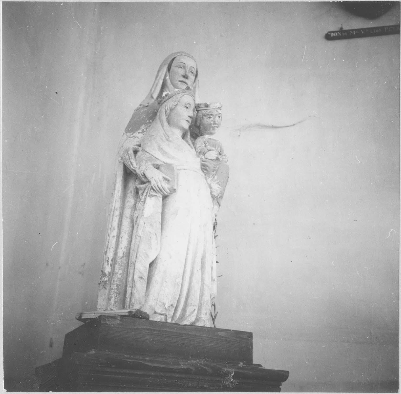 groupe sculpté : sainte Anne, la Vierge et l'enfant, vue générale