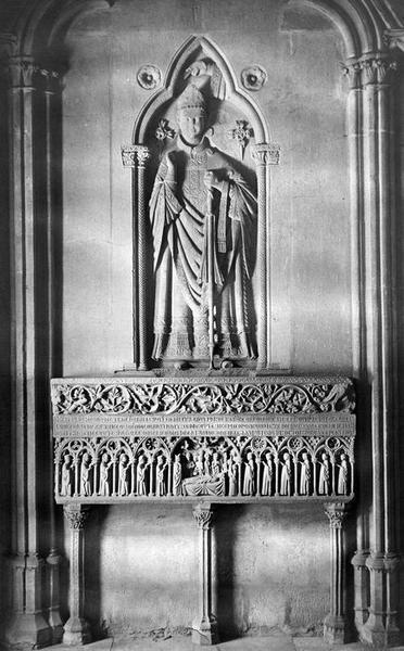 monument funéraire de Guillaume Razouls, évêque de Carcassonne, vue générale