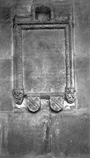 Plaque commémorative de fondation de messes par Antoine de Tournus
