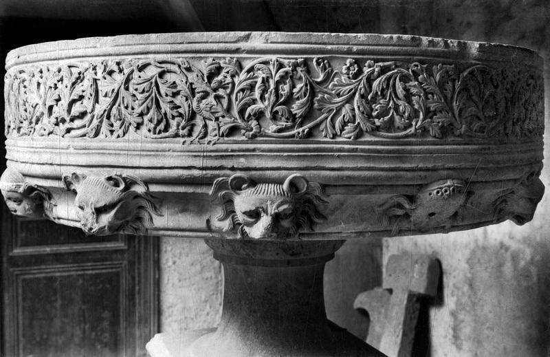 fontaine de sacristie (fontaine d'ablutions), vue générale
