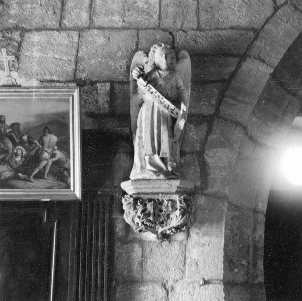 statue : Ange, vue générale