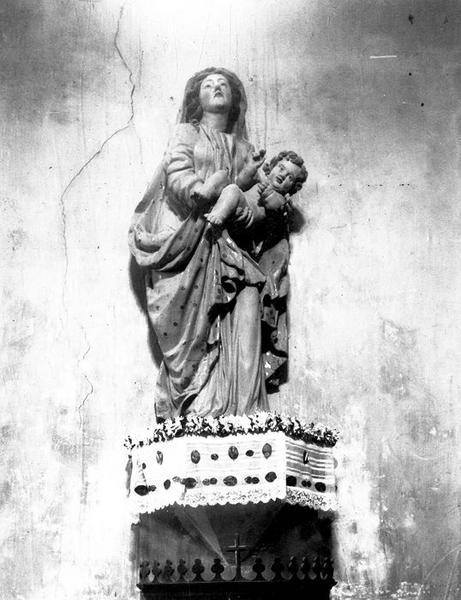 statue : Vierge à l'Enfant; vue générale