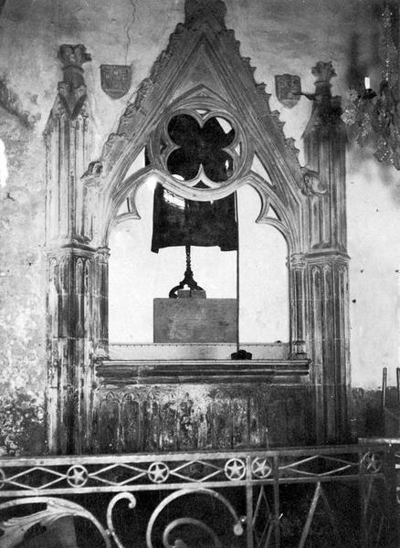monument funéraire d'un seigneur de Saint-Martin, vue générale