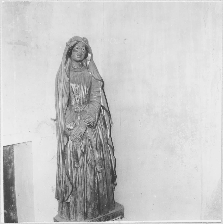 statue : Sainte Delphine de Sabran, vue générale