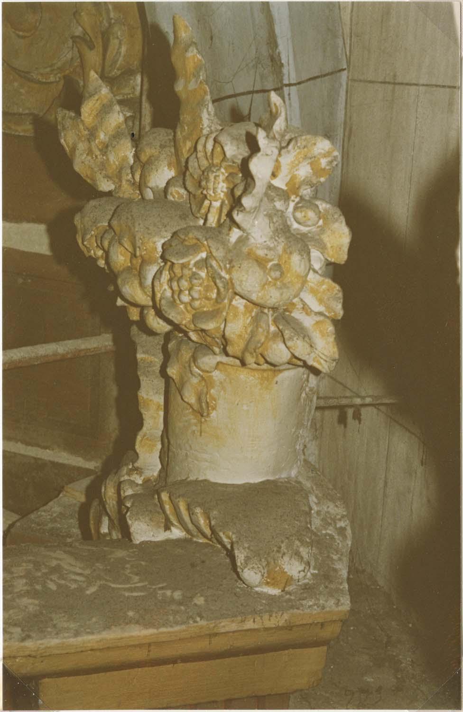 Autel, retable (maître-autel), détail