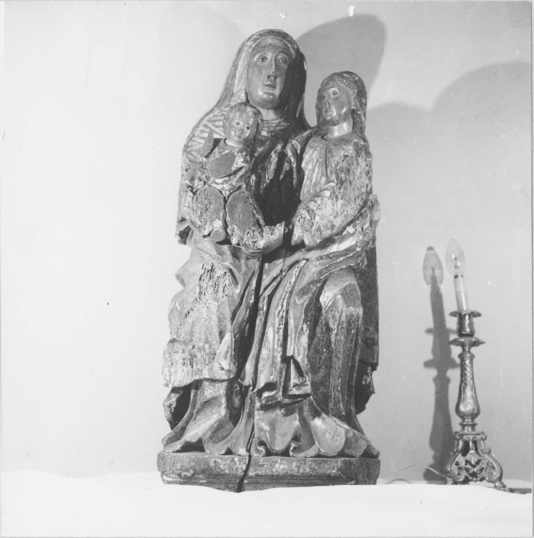 statue : sainte Anne, vue générale