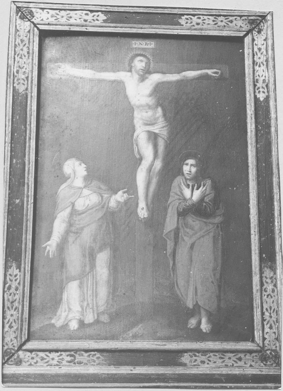 tableau (panneau peint) : Christ en croix entre la Vierge et saint Jean, vue générale