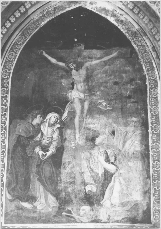 tableau : Le Christ en croix entre saint Jean, la Vierge, Marie-Madeleine et saint Pierre