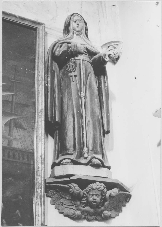 statue : sainte franciscaine