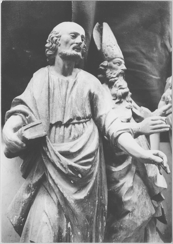 statue : saint Paul (?)