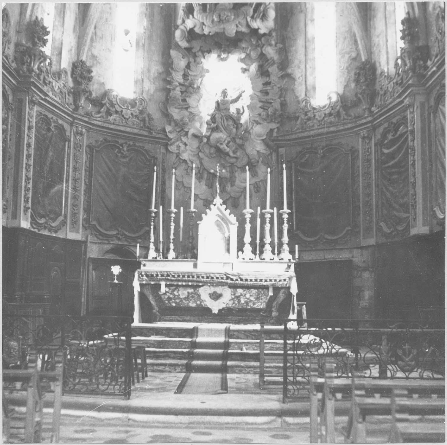 Maître-autel, lambris de revêtement, sculpture (gloire), tableaux