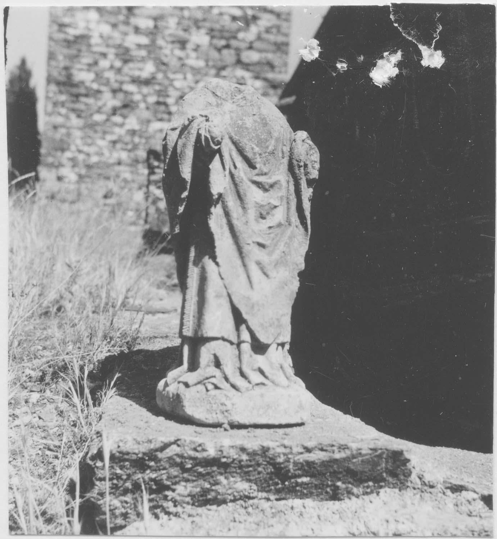 statue : évêque non identifié