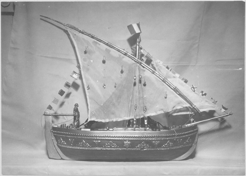 maquette : bateau d'apparat de saint Pierre