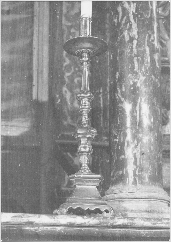 garniture du maître-autel : chandelier