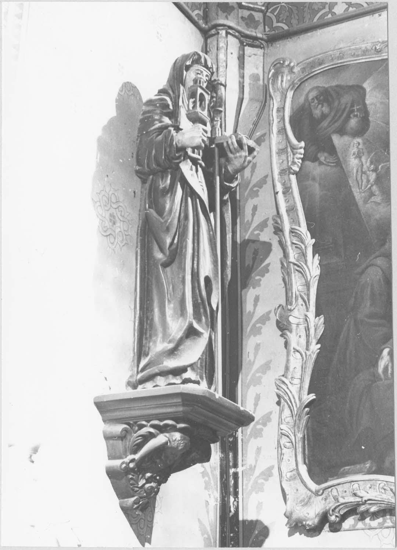 statue : sainte Claire d'Assise