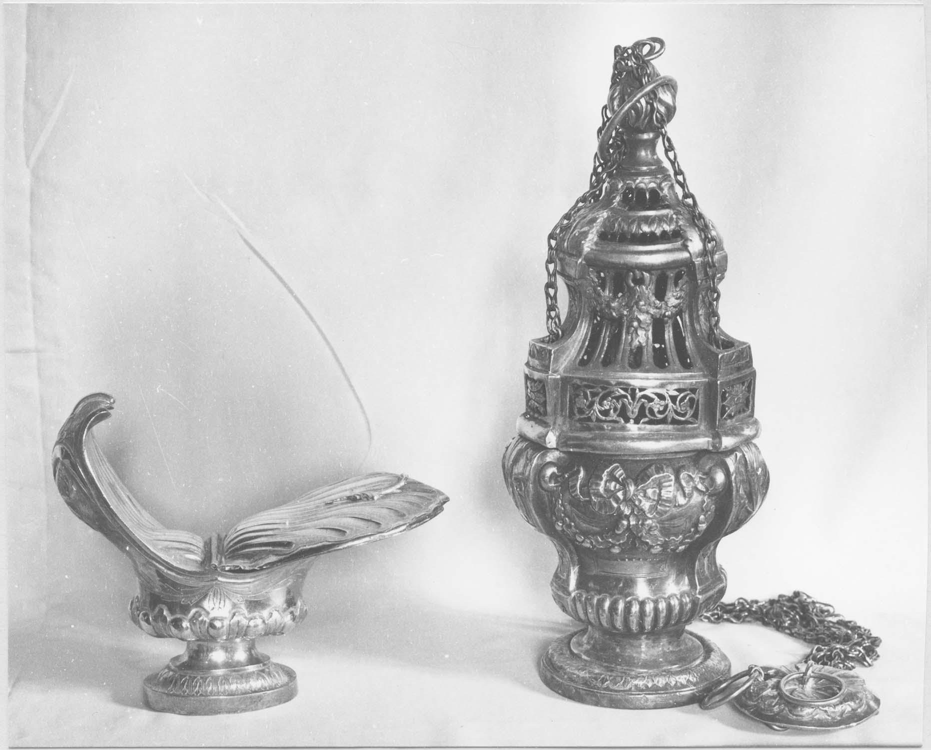 encensoir, navette et cuiller à encens