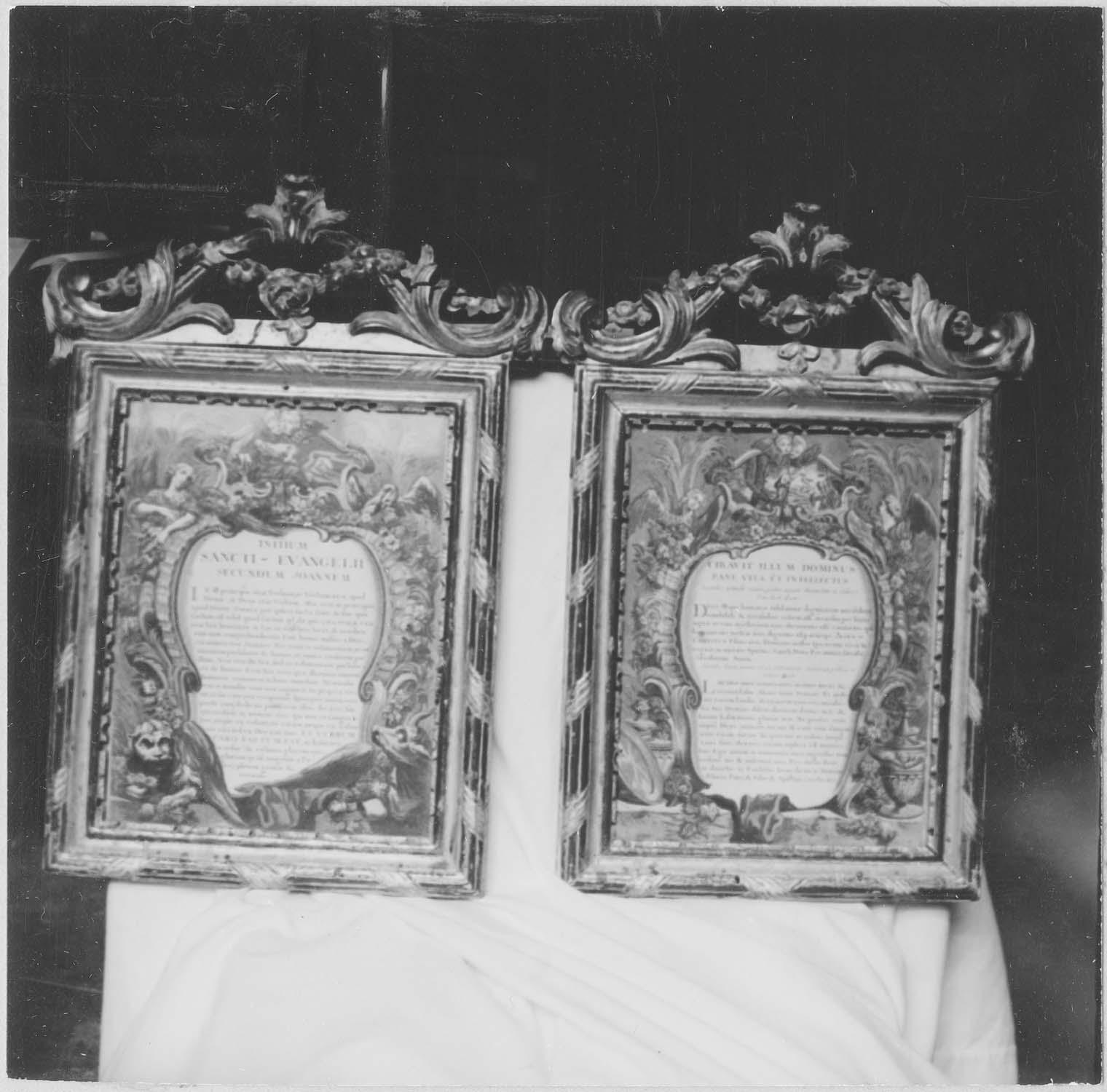 2 canons d'autel