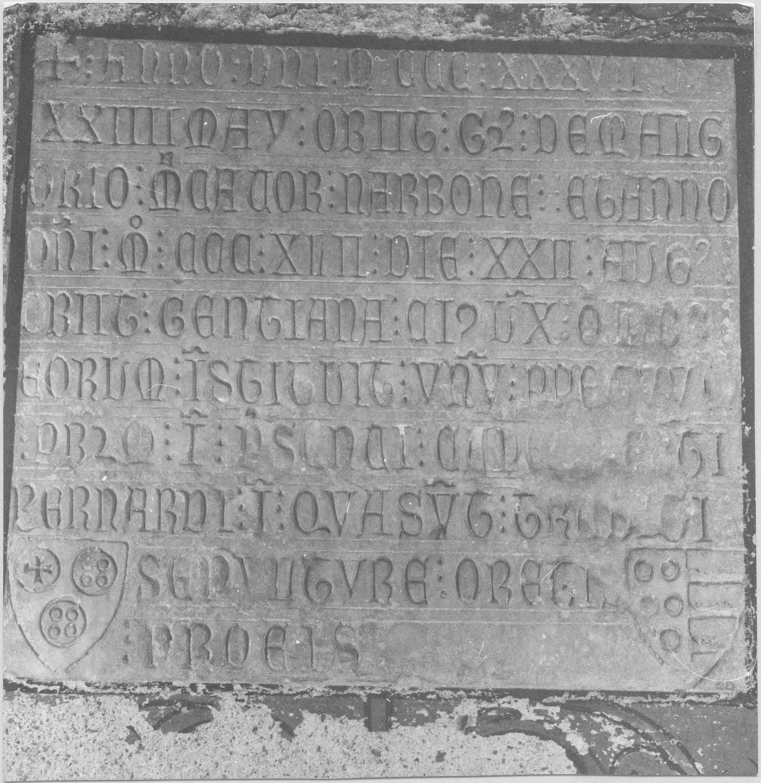 plaque funéraire de Mongorio et de Centiane, son épouse