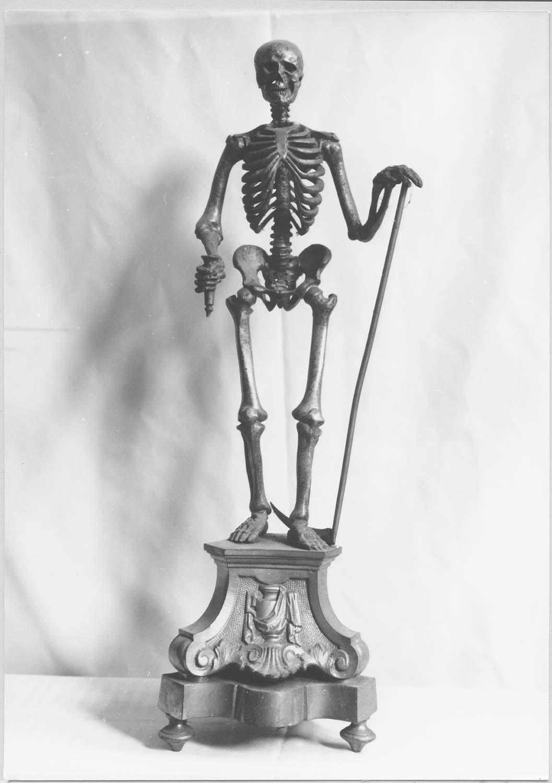 statuette : La Mort