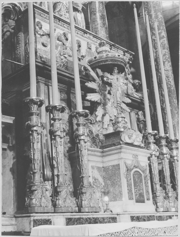 chandeliers d'autel, tabernacle