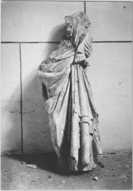 statue (fragment) : Vierge à l'Enfant