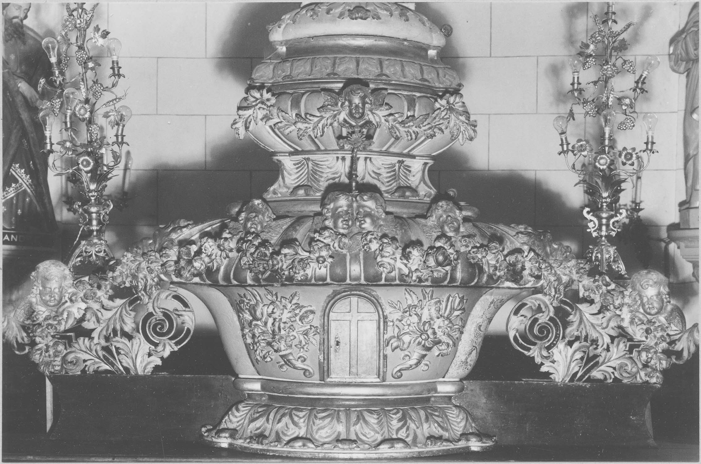 tabernacle et devant du maître-autel