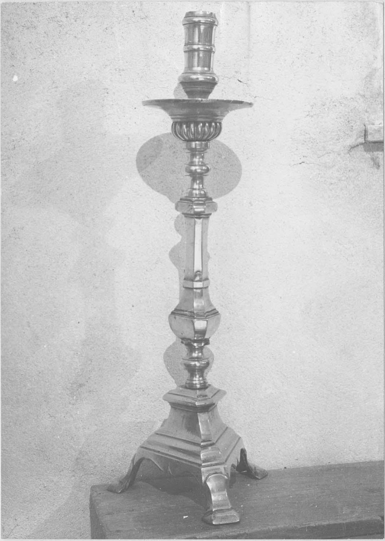 garniture d'autel : chandelier