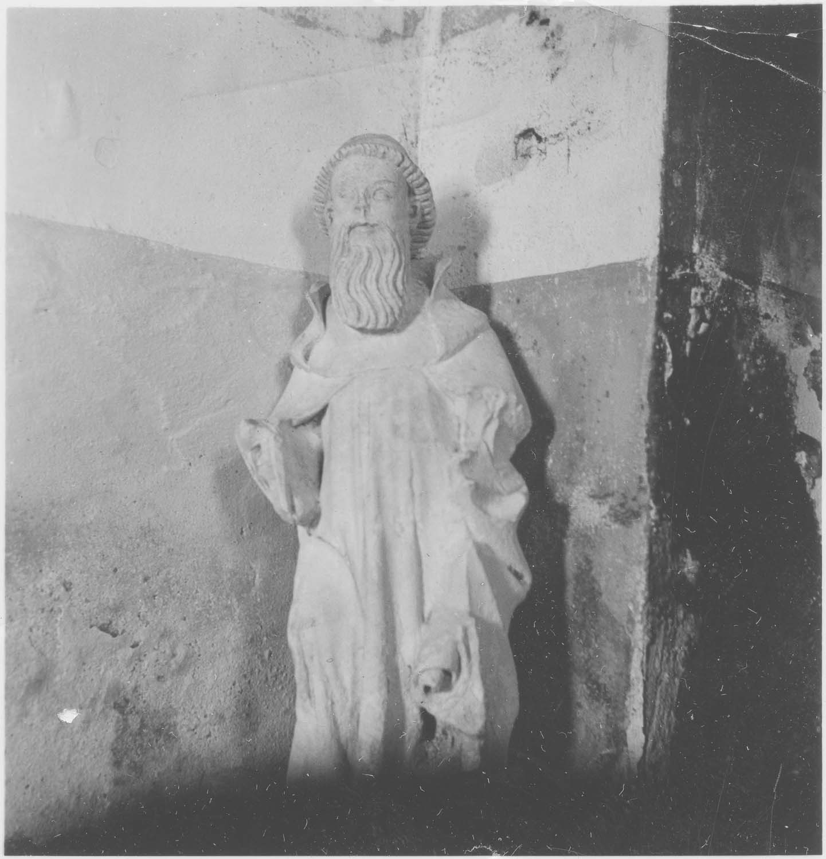 statue : Un religieux