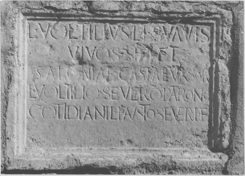 plaque funéraire de Voltilius