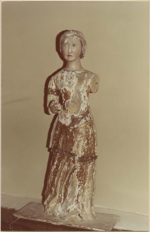 statue : Sainte Barbe couronnée