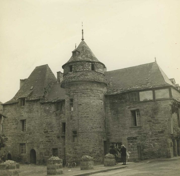 Manoir de Langonaval: façade sur cour, vue générale