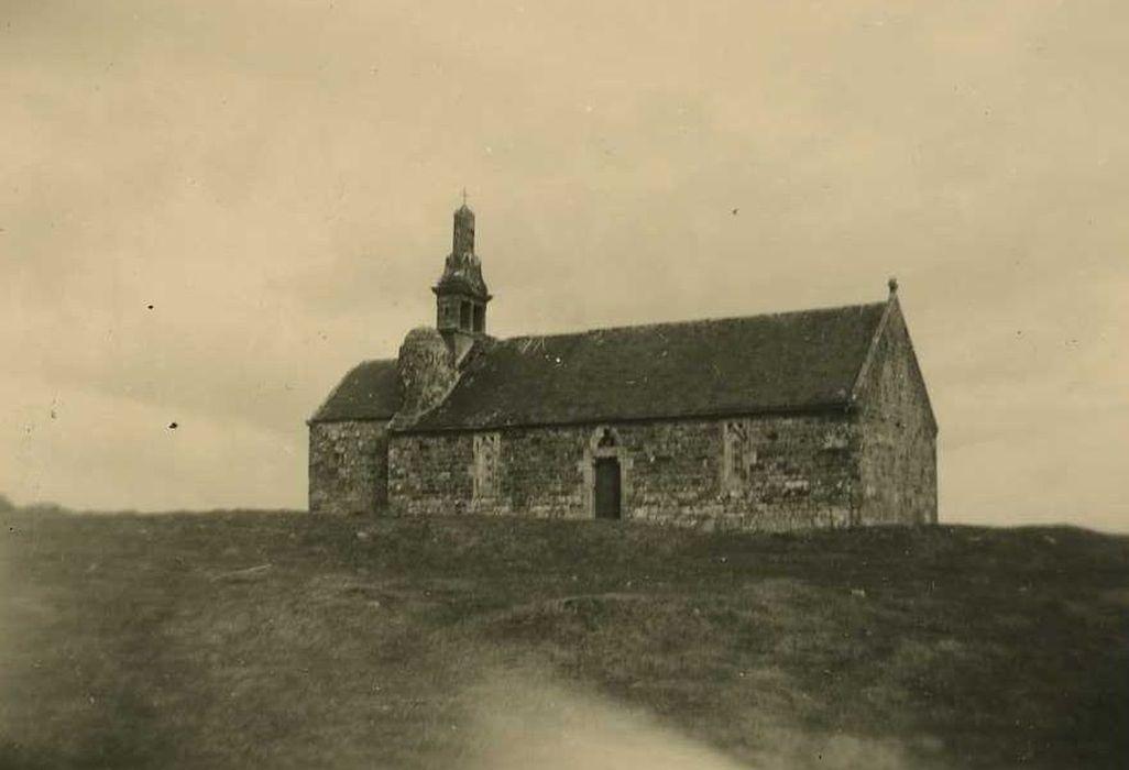 Chapelle Saint-Hervé du Ménez-Bré: ensemble sud, vue générale