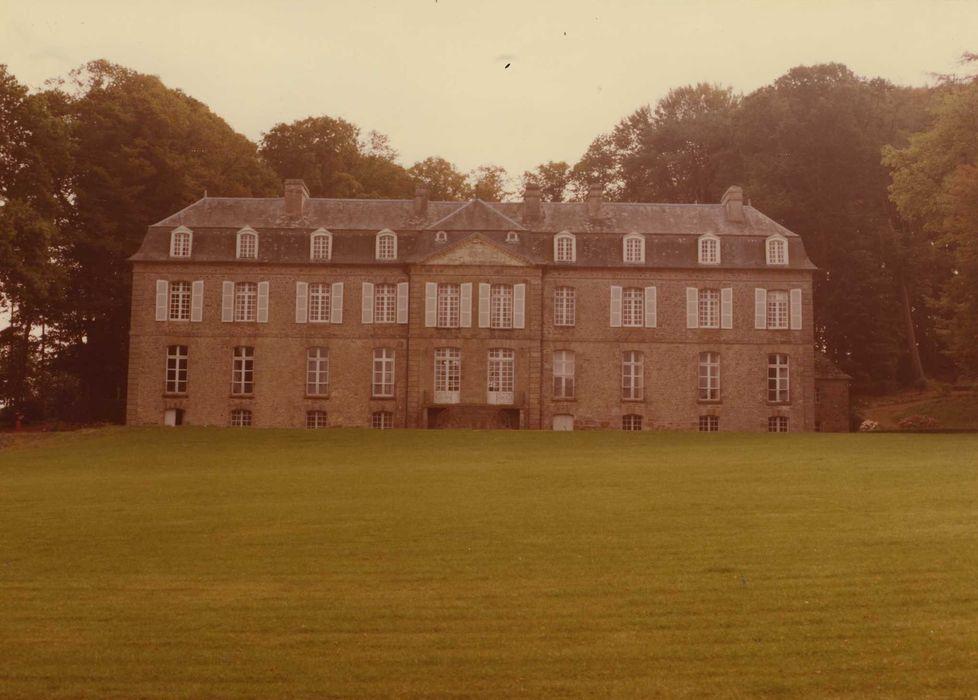 Château de la Houssaye: Ensemble sud-ouest, vue générale