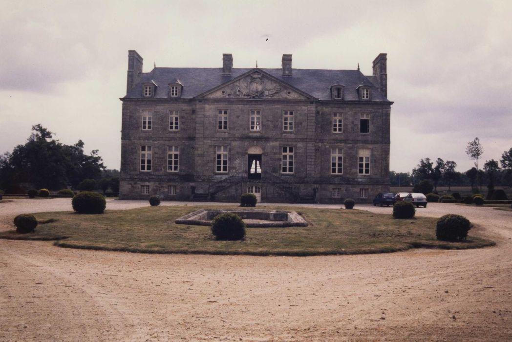 Château du Chalonge: Façade nord, vue générale