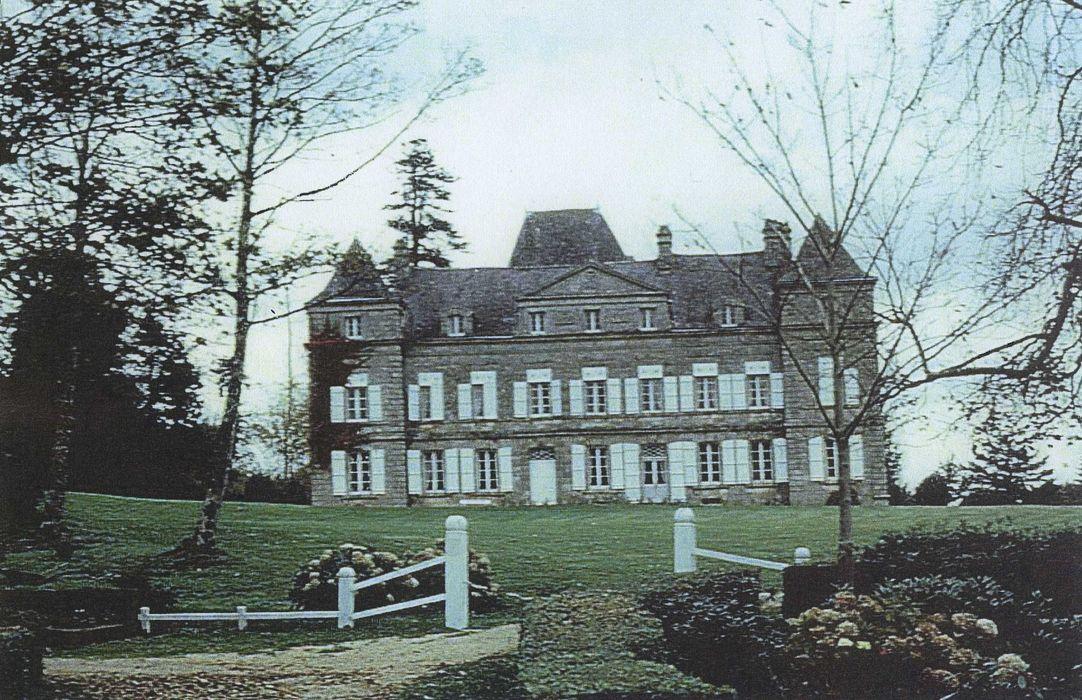 Château et parc de Trohanet (également sur communes de Landudal et Langolen): Ensemble sud, vue générale
