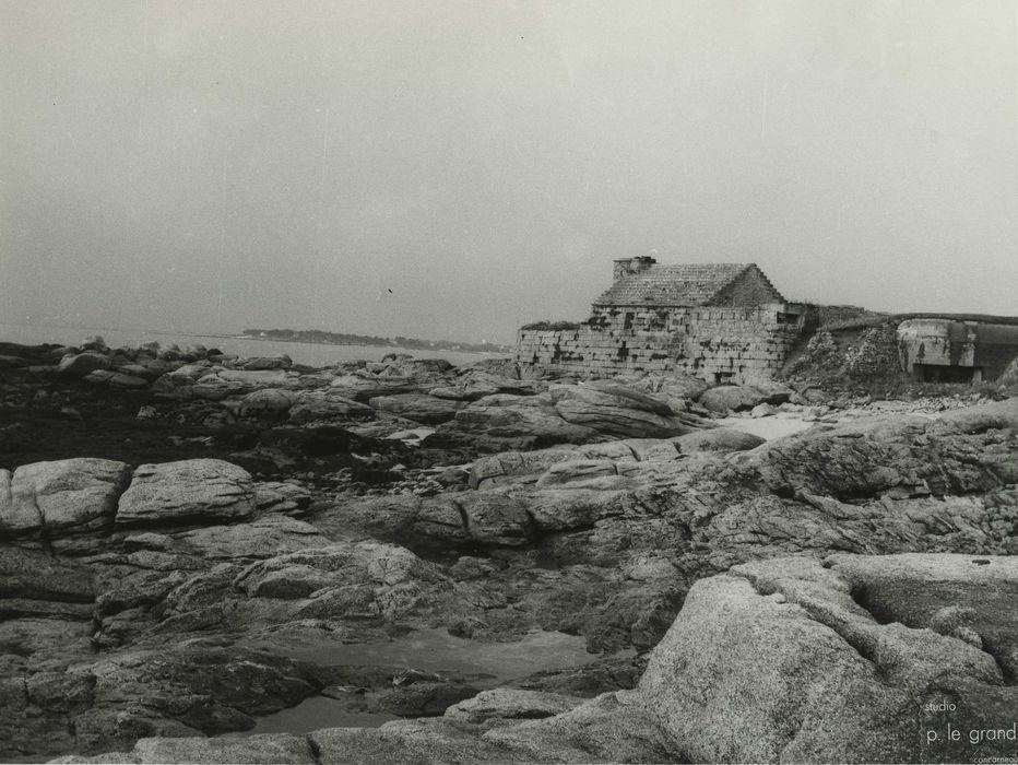 Fort du Cabellou: Vue générale du fort dans son environnement