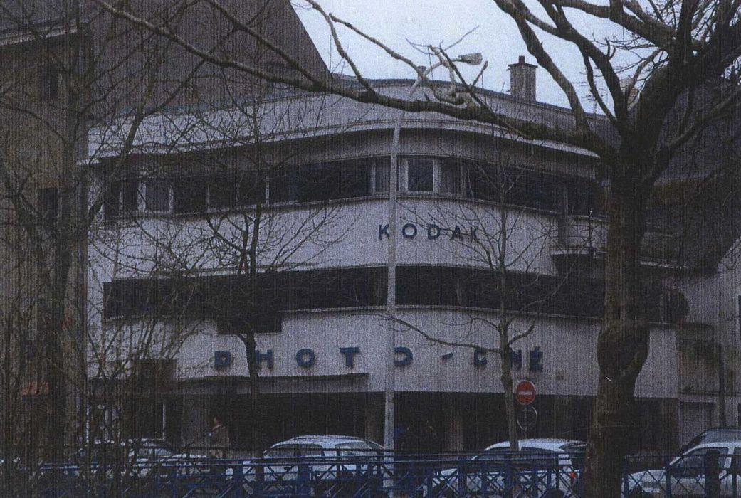 """""""Immeuble dit """"Ty Kodak"""": Façade sur rue, vue générale"""""""