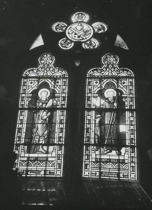 Trois verrières (deux lancettes et une rose) du bas-côté nord : Saint Gilles et Saint Isidore