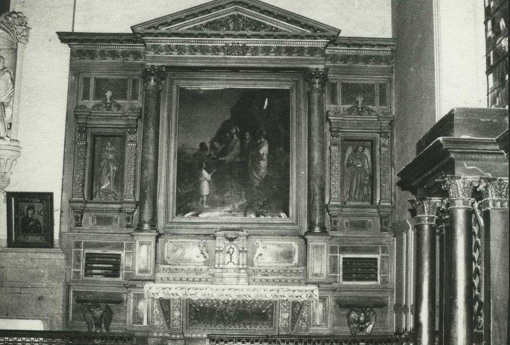 autel et retable de droite avec sa statue : Vierge à l'Enfant et son tableau : Multiplication des pains