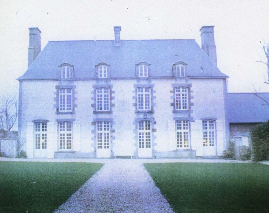 Logis des Courtils-Launay: Façade sud, vue générale