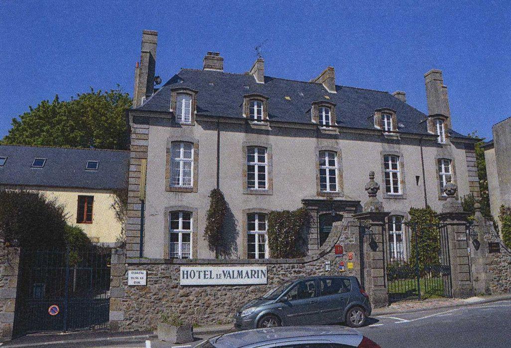 Malouinière Le Valmarin: Façade sur rue, vue générale