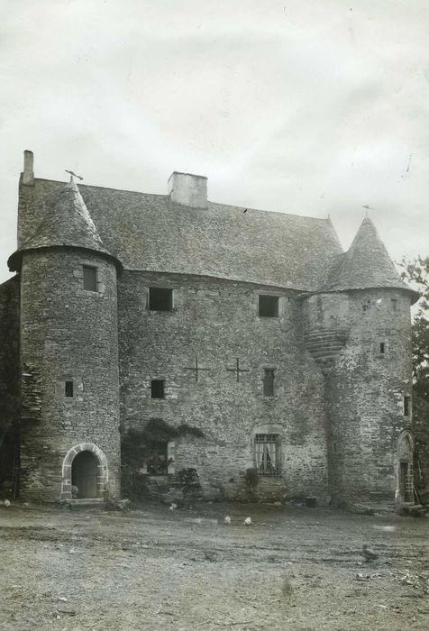 Manoir de Bodel: Façade sud, vue générale