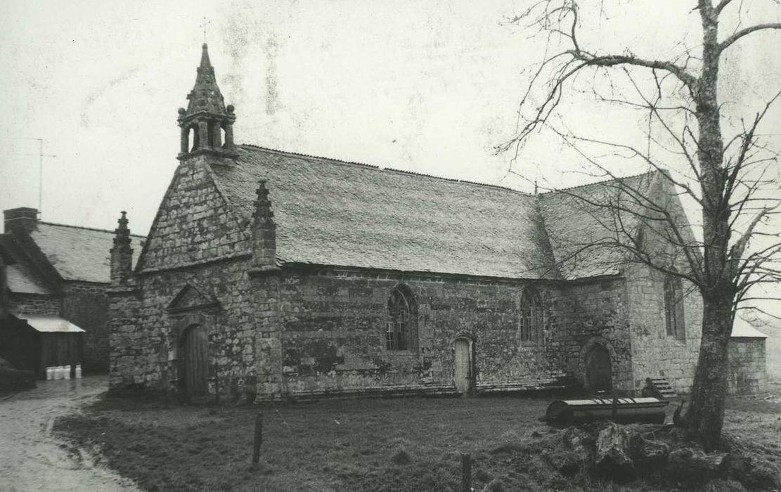 Chapelle et fontaine de la Trinité